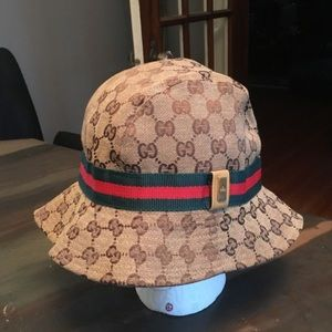 73f22737 Gucci Bucket Hat for sale | Only 4 left at -75%